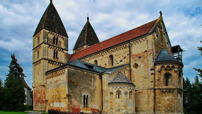 The Church of Ják - a lovely Basilica from Middle Ages